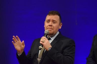 Lead singer Andrew Goldman.